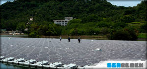 Plataformas flotantes con paneles solares para su balsa o embalse de riego
